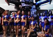 ChinaJoy第二天 游客showgirl竞相与机甲合影 #1