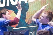 ESL ONE决赛日现场:Vega强势夺冠,队员击掌相庆